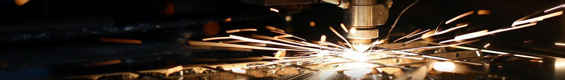Maszyna wycina w metalu